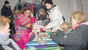 """Im Wichtelzelt des Vereins """"Eltern für Kinder"""" wurde gemalt und gebastelt"""